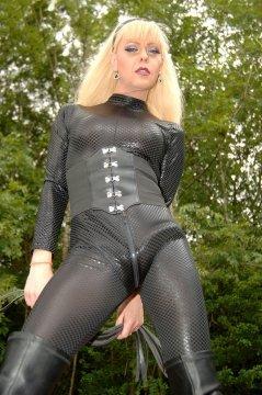 MissKyra from Surrey,United Kingdom