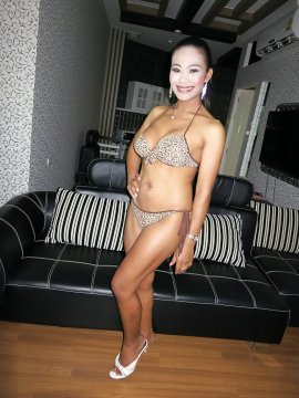 NakedNorah00 from West Sussex,United Kingdom